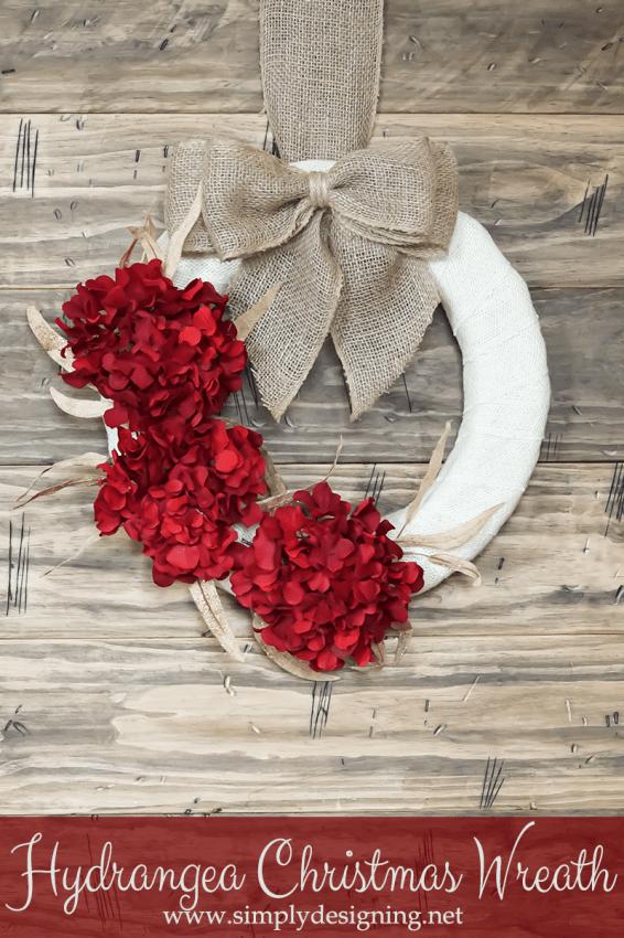 Hydrangea Christmas Wreath | #wreath #crafts #burlap #christmas #holiday #hydrangea