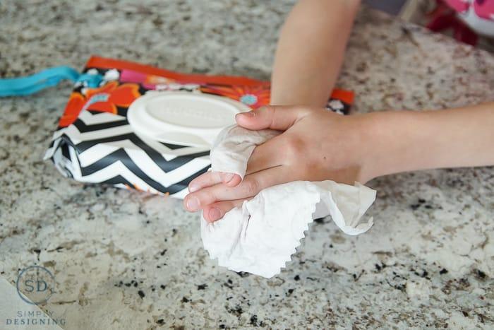 Clean little fingers easily