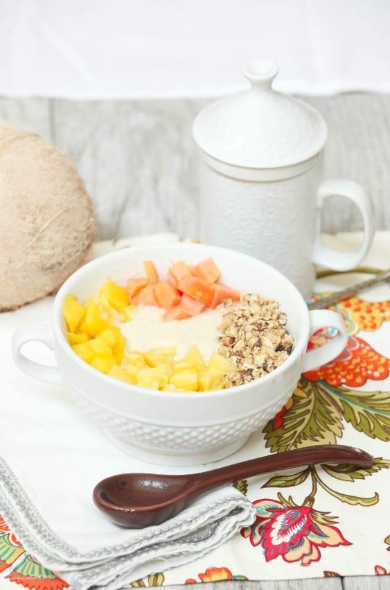pina-colada-smoothie-bowl-5350