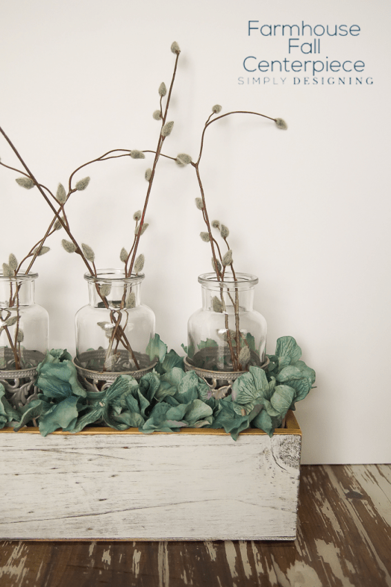Farmhouse Fall Centerpiece - this is so easy to put together and looks amazing