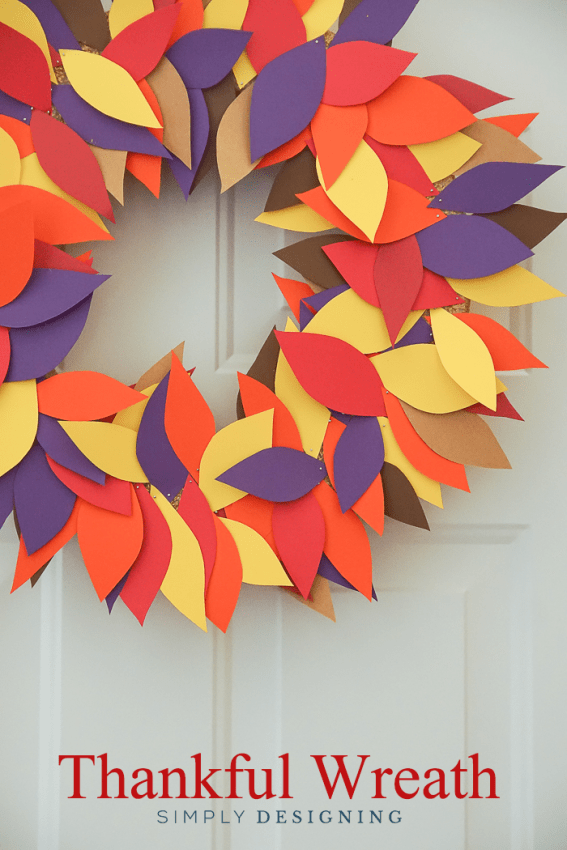Simply Thankful Wreath Thanksgiving Craft - this is such a fun family tradition that helps your family reflect on the things they are grateful for