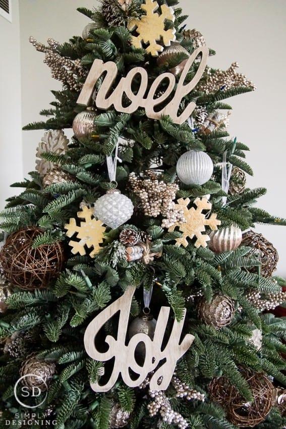 Farmhouse Christmas Tree