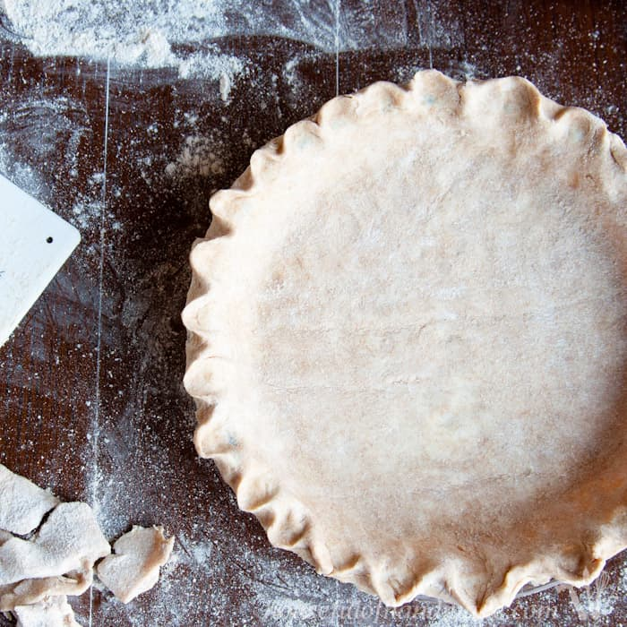 how-to-make-the-best-whole-wheat-pie-crust-sqaure-1