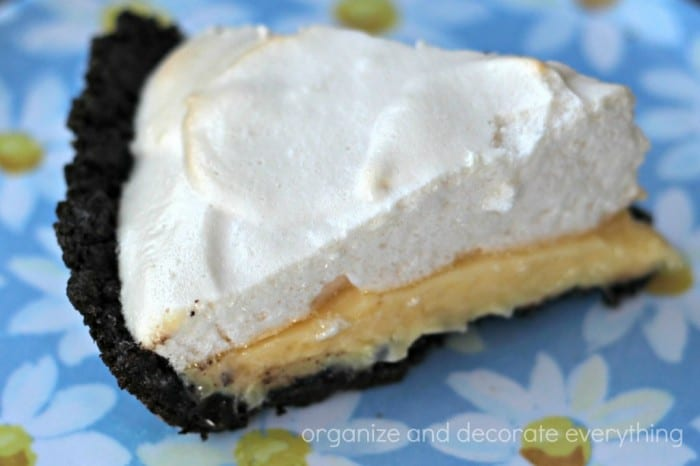 lemon-meringue-pie-slice-1024x682