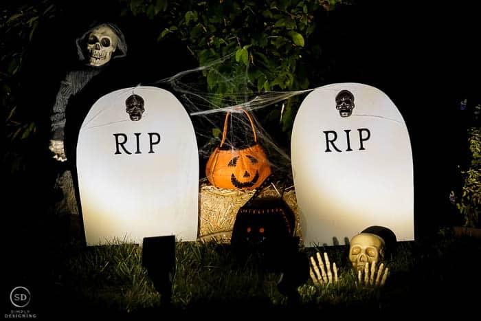 DIY Harvest Yard Sign - RIP Headstone Decoration