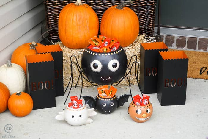 Spider Treat Container and other Halloween decor