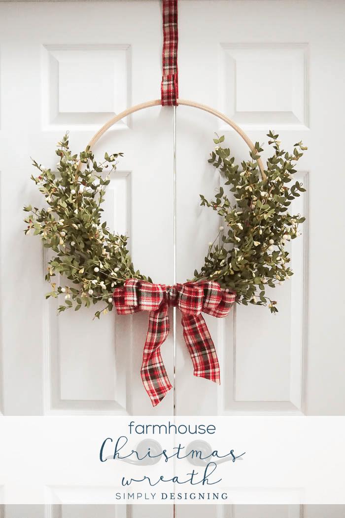Farmhouse Hoop Christmas Wreath - an easy and beautiful DIY Christmas Wreath