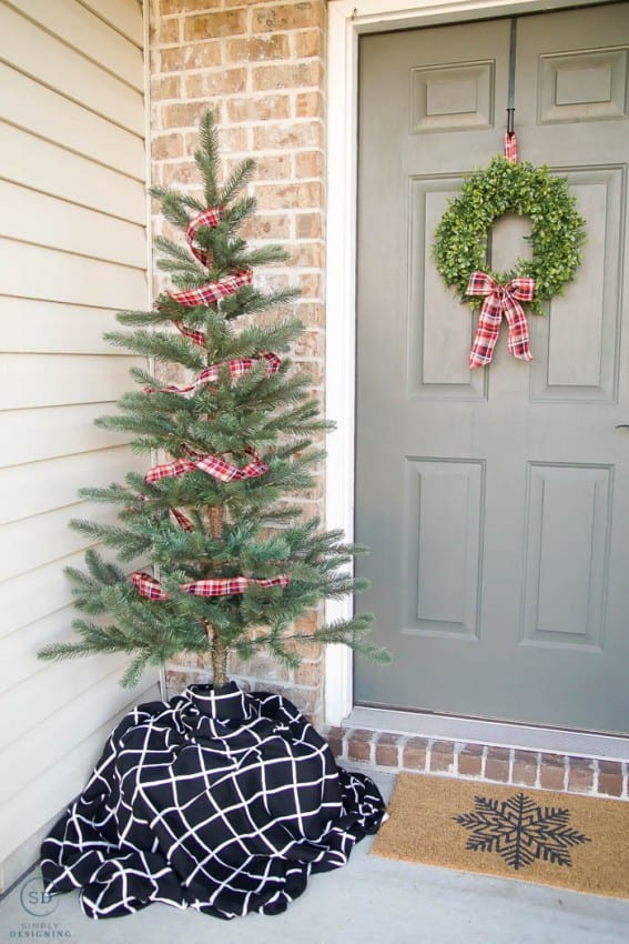 Simple Christmas Front Porch Decorations with Farmhouse Christmas Tree