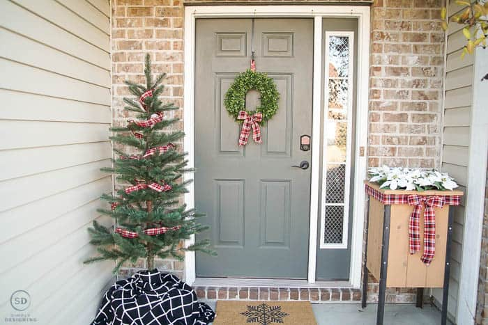 Simple Christmas Front Porch Decorations