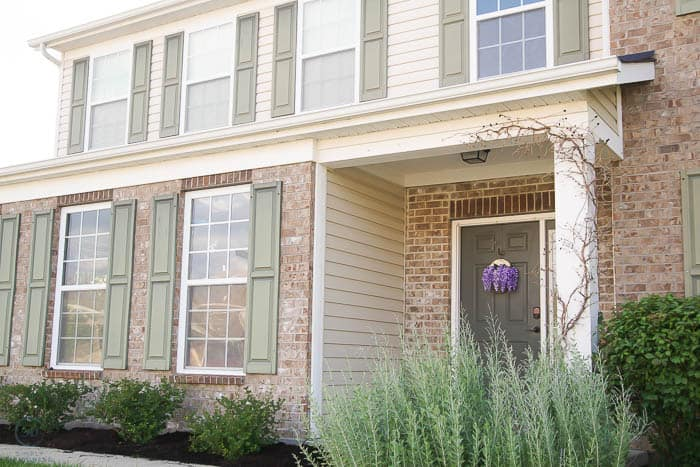 How to Paint Shutters and a Front Door Before
