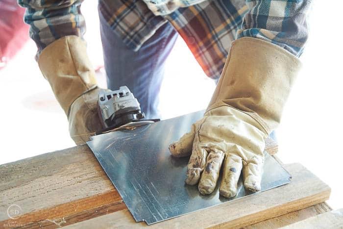 grind sharp metal edges