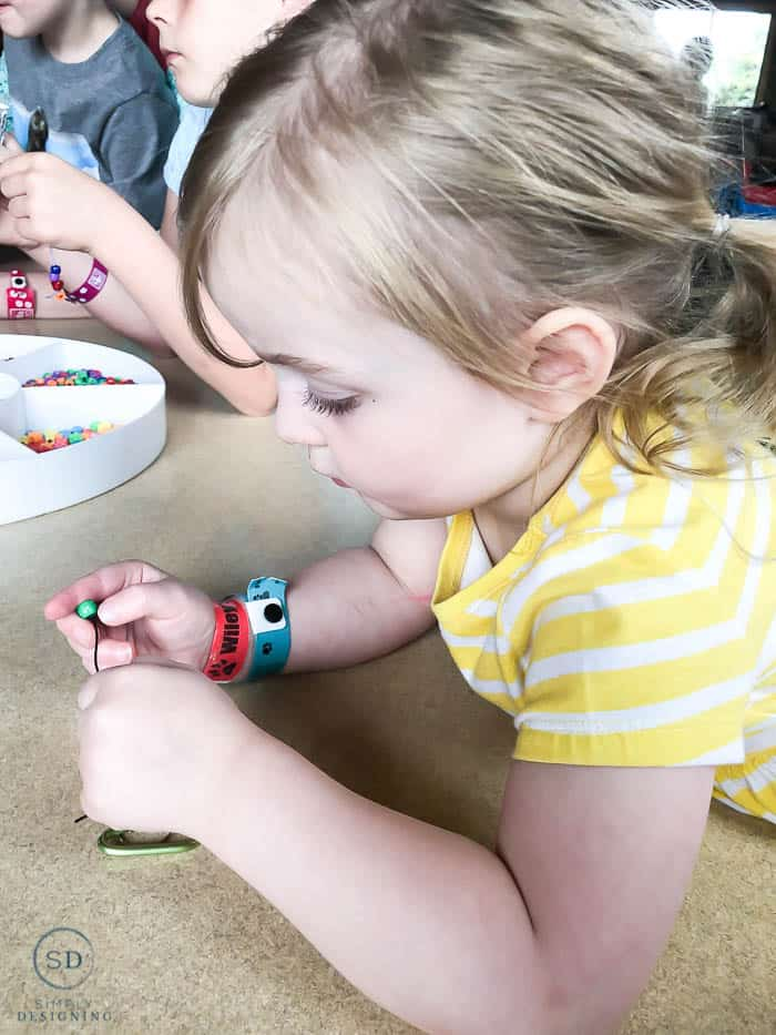 making bracelets and key chains