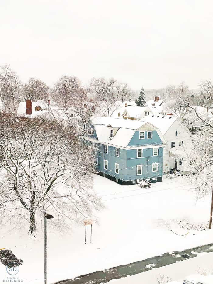 snow covered blue house in Niagara Falls