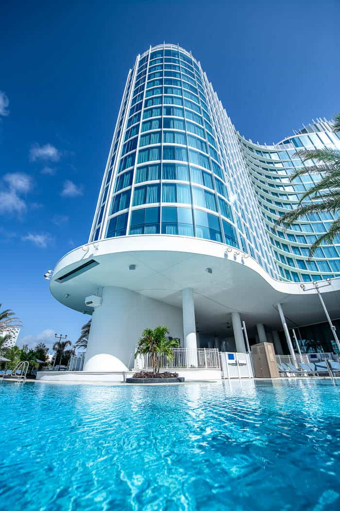 Pool at the Aventura Hotel Universal Orlando