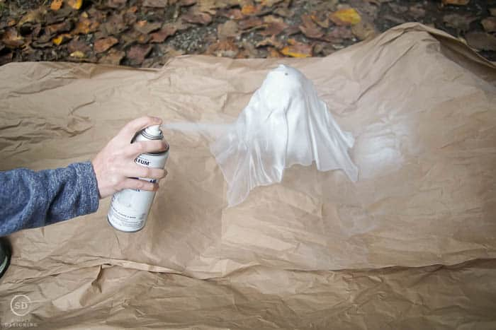 spray paint ghost with white spray paint