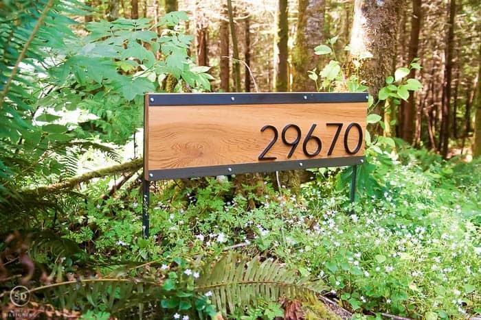 house address number sign
